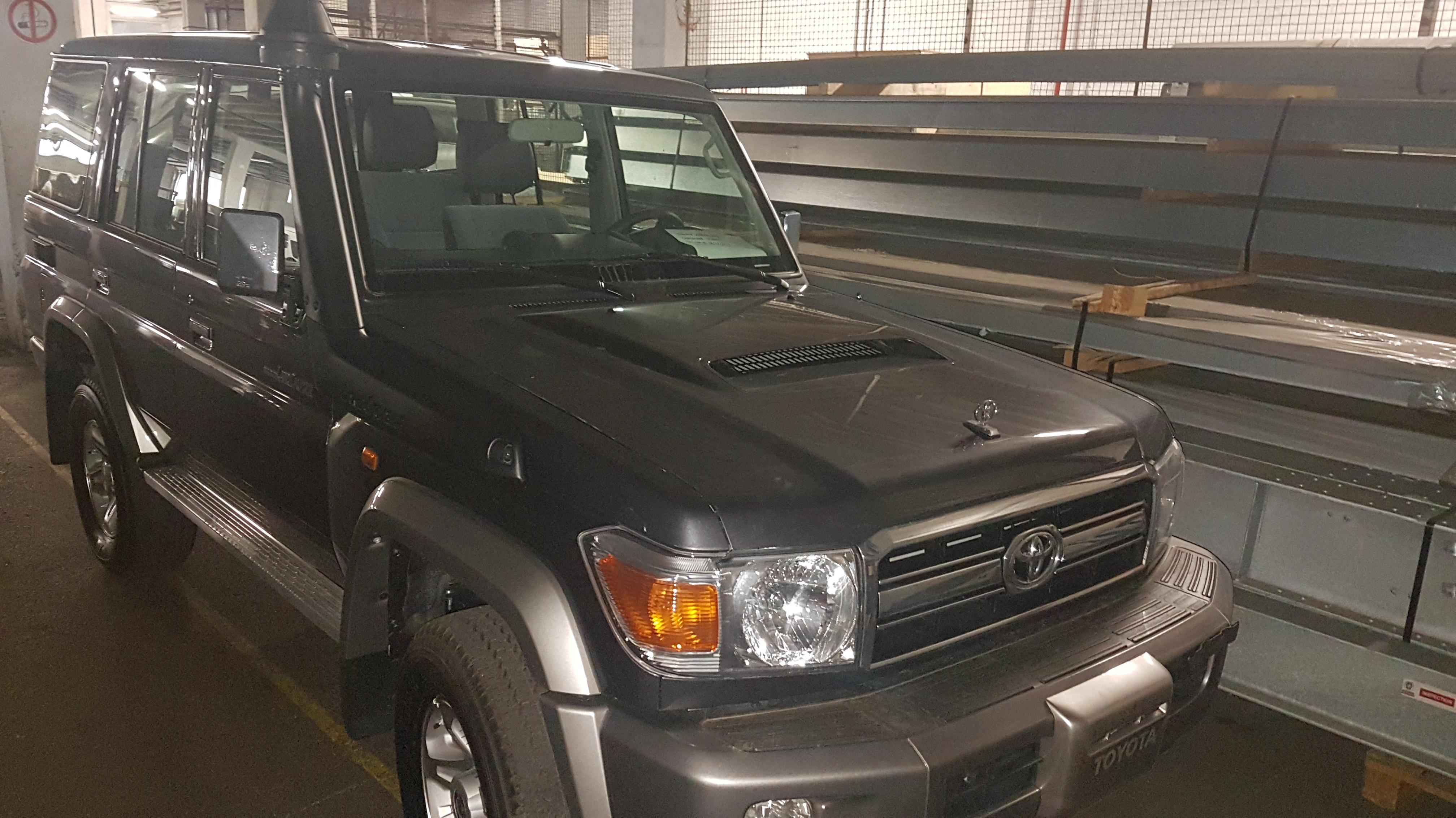 Auto Style LTD | Vehicles | TOYOTA LAND CRUISER 76 - 4.5L TD ... on